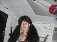 Частное голой девушки в гараже (48 ФОТО)