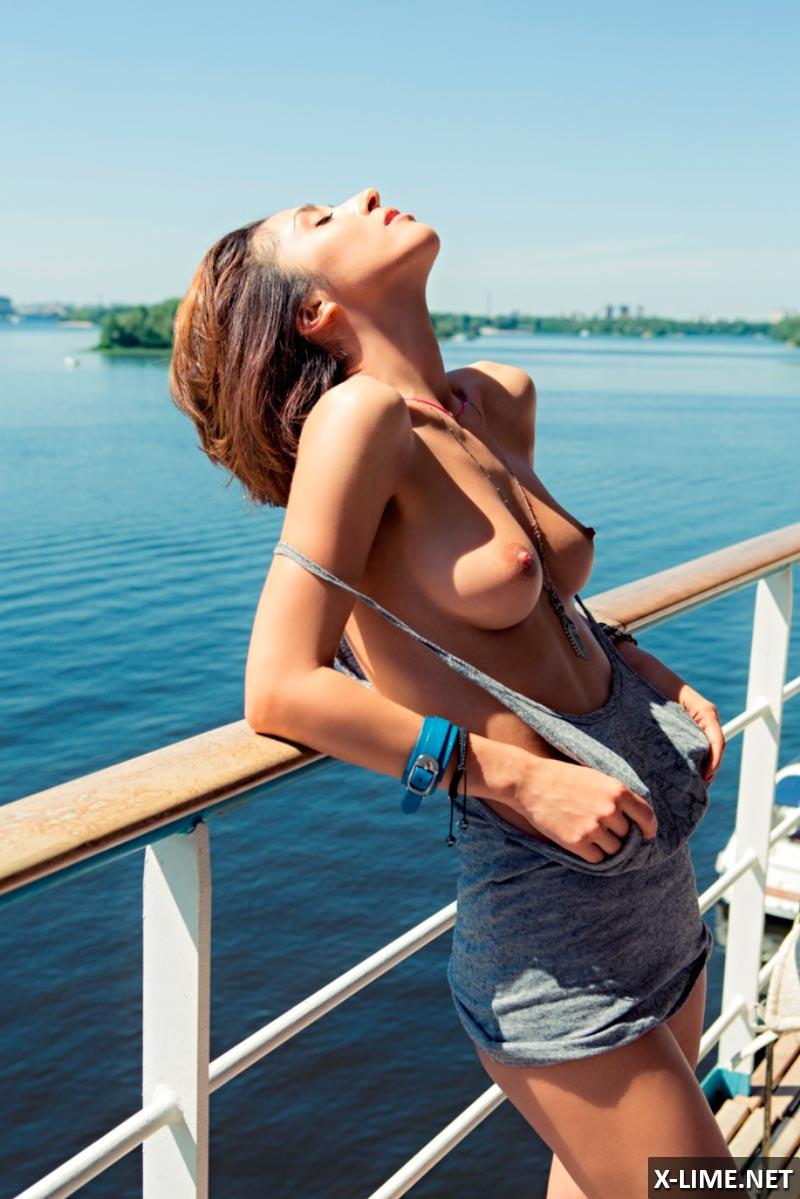 Голая Анна Завальская в откровенной фотосессии PLAYBOY