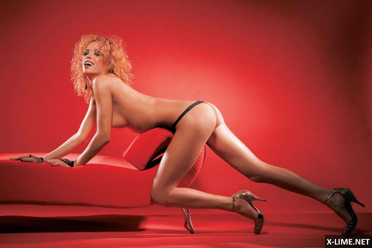 Обнаженная Лерика Голубева в эротической фотосессии MAXIM
