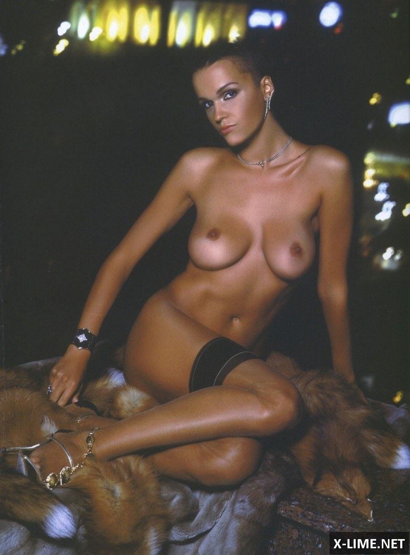 Голая Анастасия Сланевская в откровенной фотосессии Penthouse