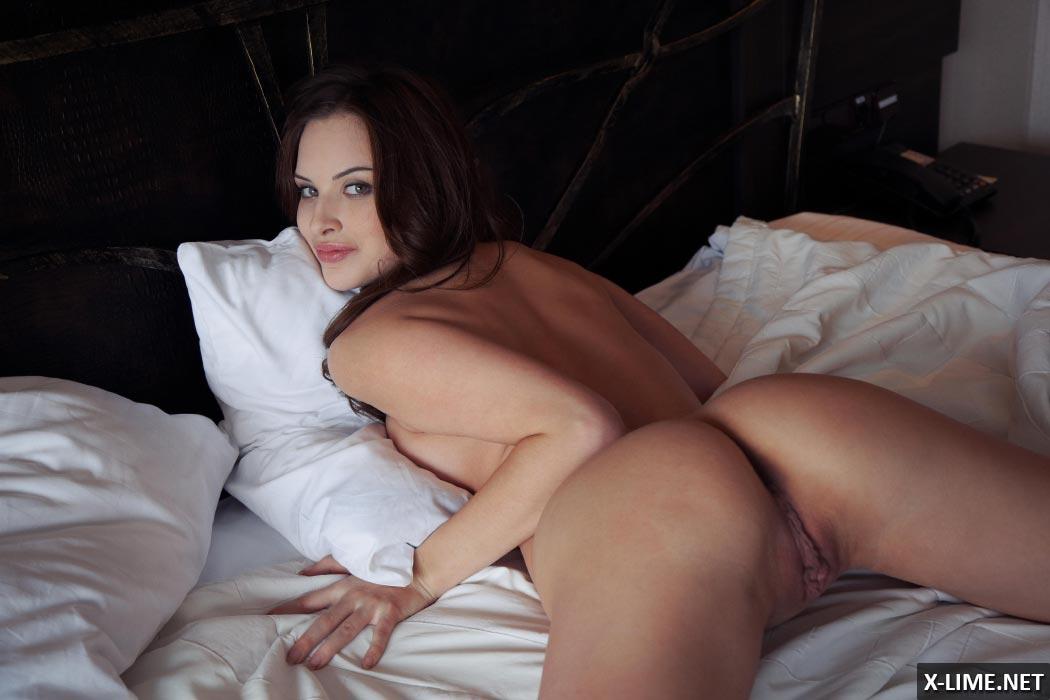18-летняя красивая грудь фото