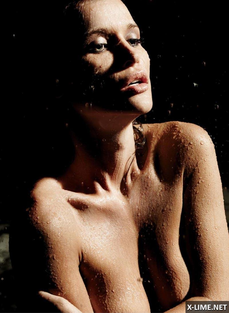 Голая Джоанна Крупа в откровенной фотосессии MAXIM