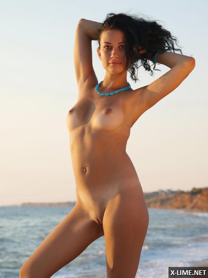 красивые голые девушки на массаже