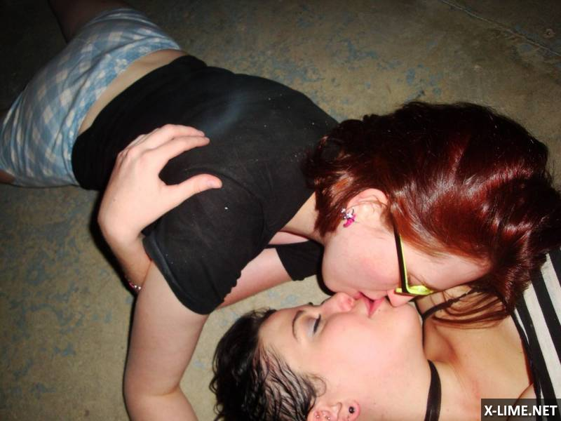 Домашнее подружек лесбиянок (56 ФОТО)