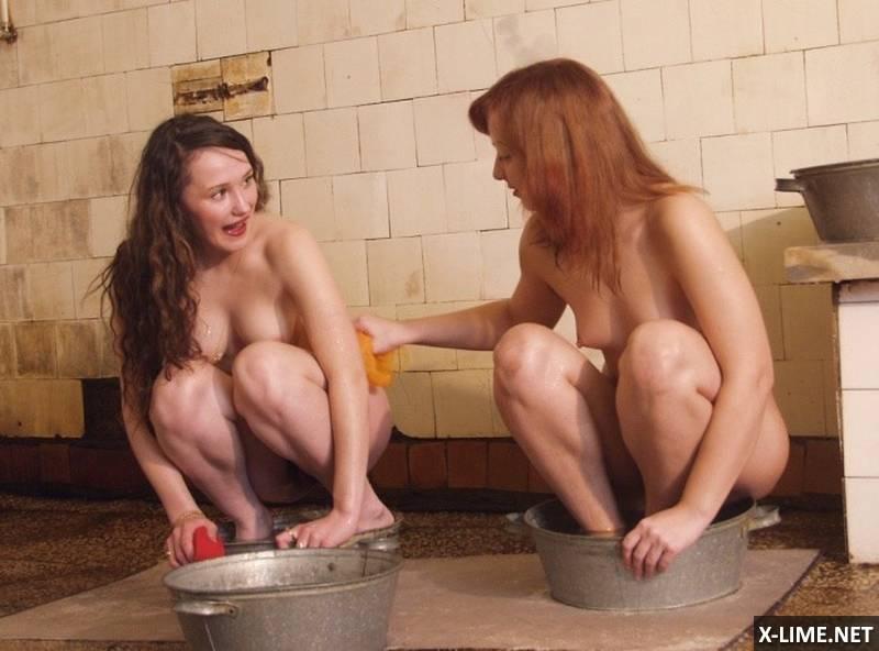 в бане моются голые девушки фото