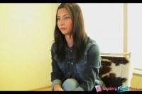 Порно Видео: Красивую брнетку в две дырки на кастинге