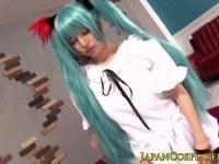 Порно Видео: Japanese fantasy babe fucked in costume