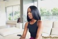 Порно Видео: Сперма в киске молодой негритянки