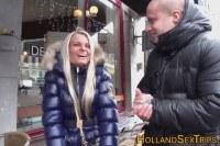 Порно Видео: Real hooker licks lesbian