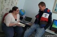 Порно Видео: Молодой парень трахнул жирную телку