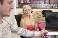 Порно Видео: Tiny blonde gets facial