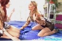 Порно Видео: Девушки ссут и трахаются