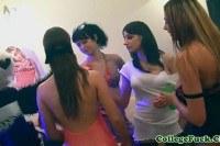 Порно Видео: Оргия в женской общаге