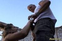Порно Видео: Выебал телку в подворотне