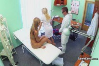 Порно Видео: Gal creampied by doctor after nurse
