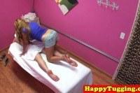 Порно Видео: Bigtitted asian masseuse wanking client
