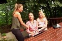 Порно Видео: Teen lesbians toy pissing