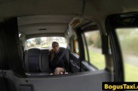 Порно Видео: Squirting american taxi milf fucked by