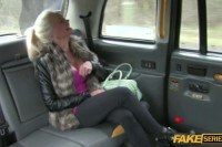 Порно Видео: Taxi hardcore action with a busty blonde
